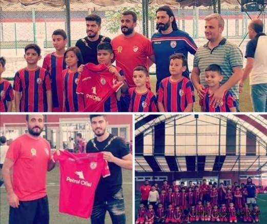 A takım oyuncusudan Kahramanmaraş Altınordu Futbol Okuluna Ziyaret