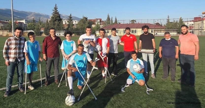 Ampute futbol takımına tatlı ikramında bulundular! 5 adet futbol topu hediye ettiler