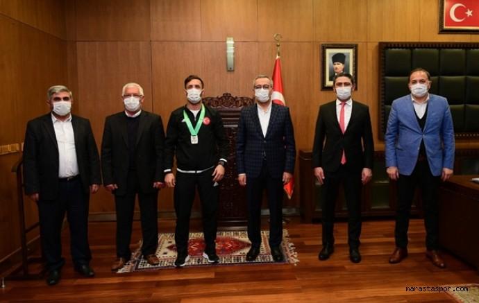 Başkan  Güngör, Kahramanmaraşlı Milli Güreşçiyi makamında ağırladı