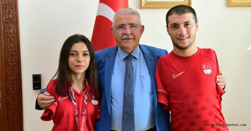 Başkan Hanefi Mahçicek, Paralimpik oyunlarında başarı elde eden özel sporcuları ağırladı