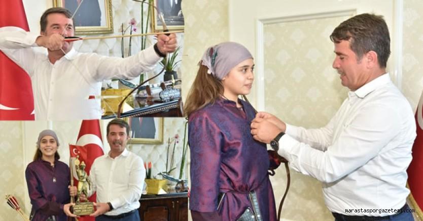 Başkan Osman Okumuş, Türkiye 2'cisi Sporcuyu altınla ödüllendirdi