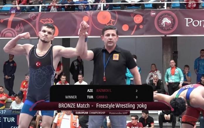 Büyükşehir'in güreşçisi bronz madalya kazandı