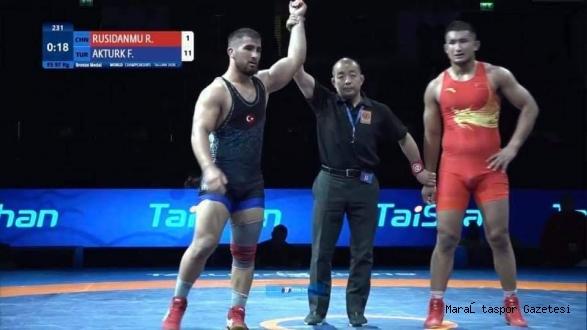 Büyükşehir'in güreşçisi Dünya 3'sü oldu