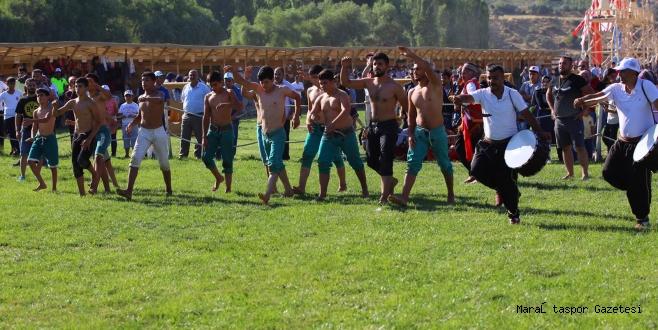 Büyükşehir sporcuları kısa şalvar ve karakucak güreşlerini  tanıttı