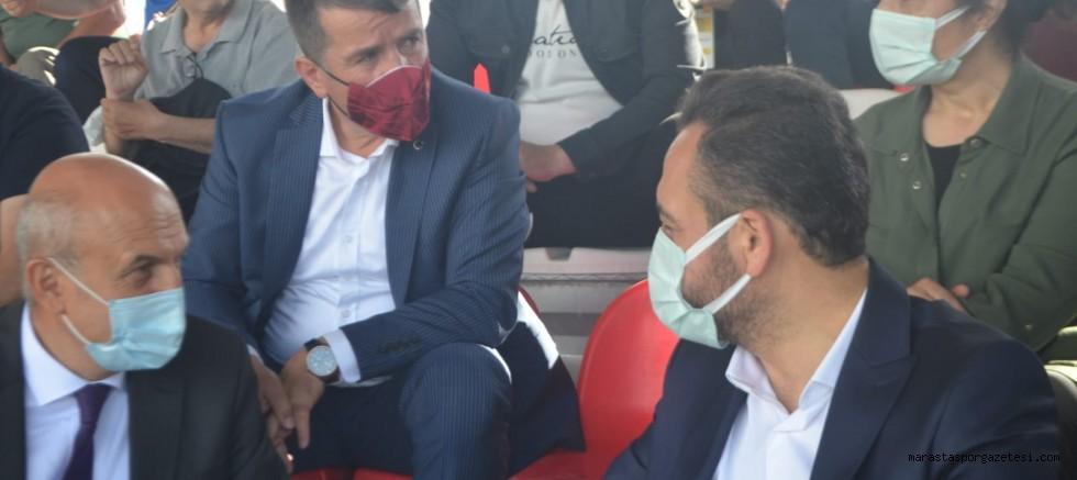 Elbistan ve Türkoğlu Belediye başkanları maçı beraber izledi