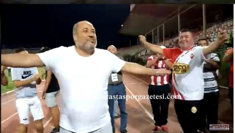 Fatih Mehmet Ceyhan, taraftarlarla galibiyeti kutladı.