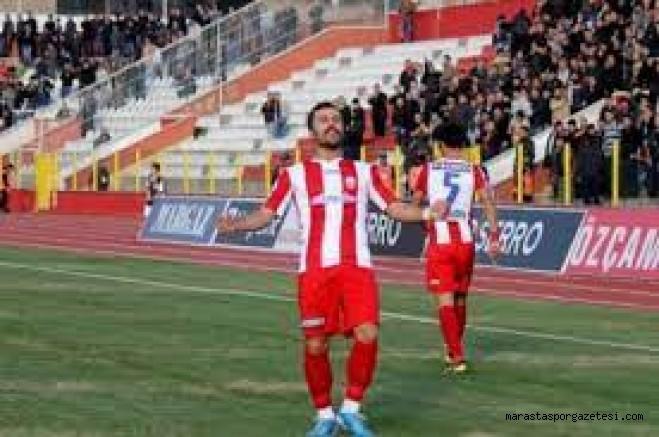 Göztepe, Kahramanmaraşspor'lu ile sözleşmesi 2 yıl daha uzattı.