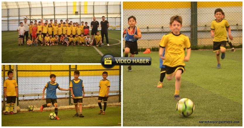 Kahramanmaraş Sivaspor futbol okulu çalışmalarına başladı