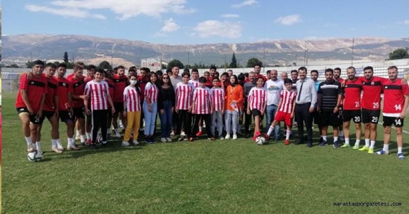 Kahramanmaraşspor'a öğrenciler moral verdiler