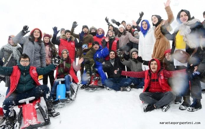 Kayak Merkezi'nde  yetim çocuklara etkinlik