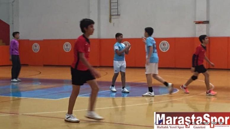Küçük Erkekler Kulüpler Arası Hentbol Ligi Başladı