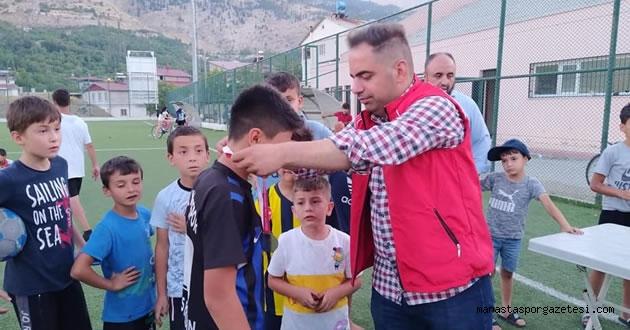 Kuranı Kerim eğitimi alan öğrencilerin katıldığı futbol turnuvası tamamlandı