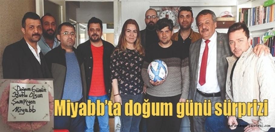 Miyabb'tan Orhan Külek'e  doğum günü sürprizi