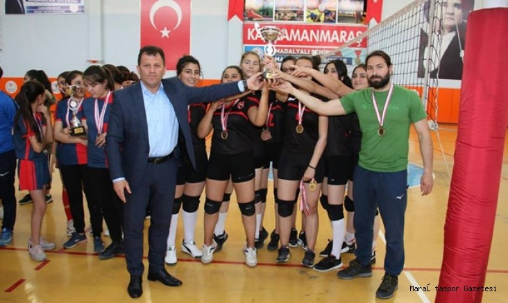 Okul Sporları Voleybol Genç Kızlar'da Spor lisesi Şampiyon