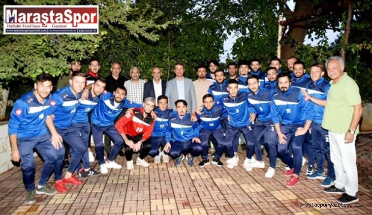 Osman Okumuş, futbolcuları ve teknik ekiple bir araya geldi