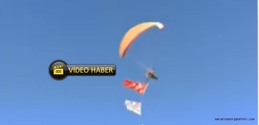 Paramotor ile gökyüzünde Al Bayrağımızı dalgalandırdılar.