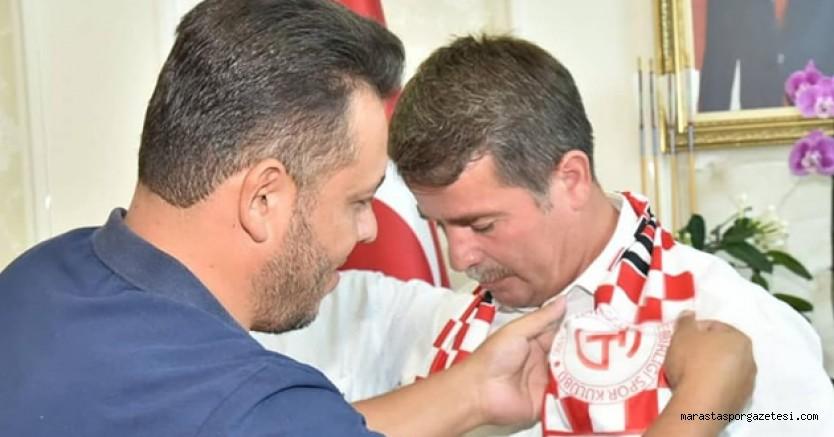 Spora ve sporcuya yaptığı desteklerle adından söz ettiren Türkoğlu'un hizmetkarı diyerek Başkan Osman Okumuş'a teşekkür ettiler