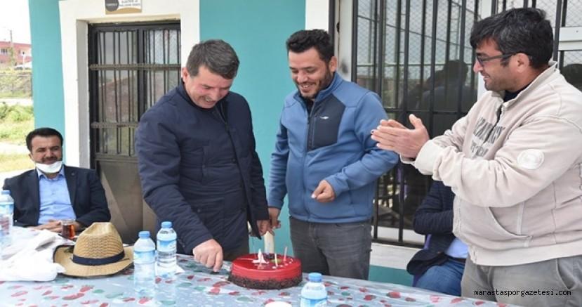 Türkoğlu Gençlerbirliğispor'dan Başkan Okumuş'a doğum günü sürprizi