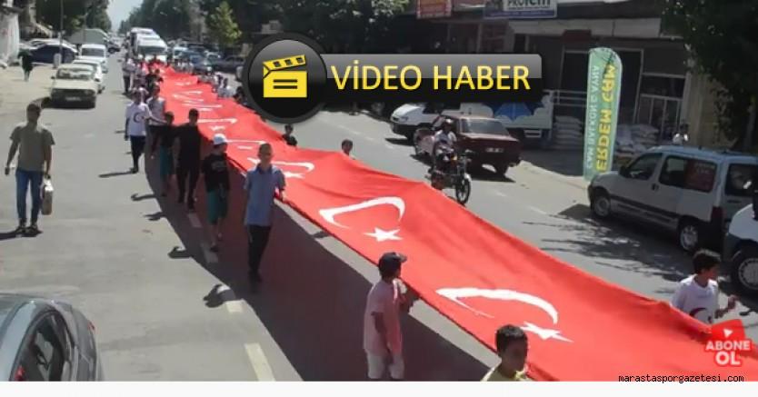 Türkoğlu'nda Dev Türk Bayrağı ile yüründü